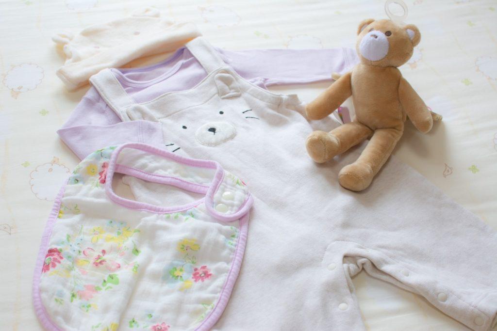 赤ちゃんの衣服
